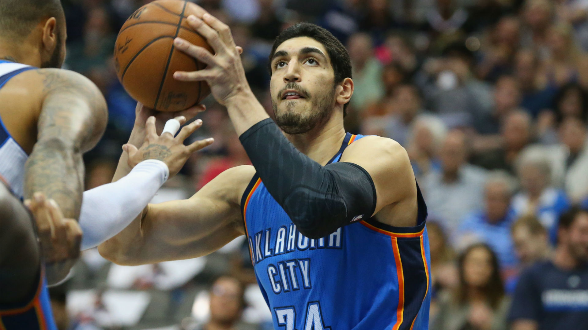 Thunder's Kanter heading to US after detainment in Romania
