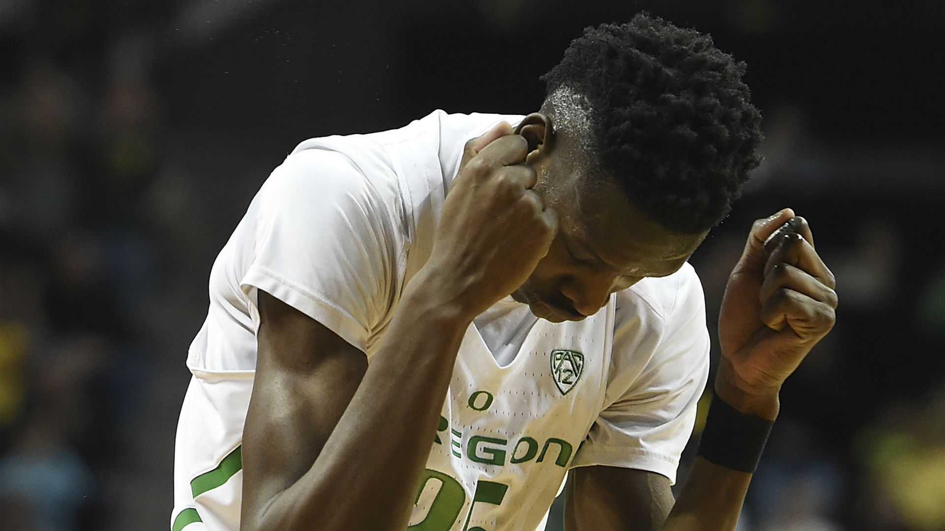 OR forward Chris Boucher suffers season-ending ACL tear