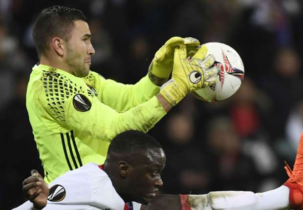 Anthony Lopes makes a save against Roma