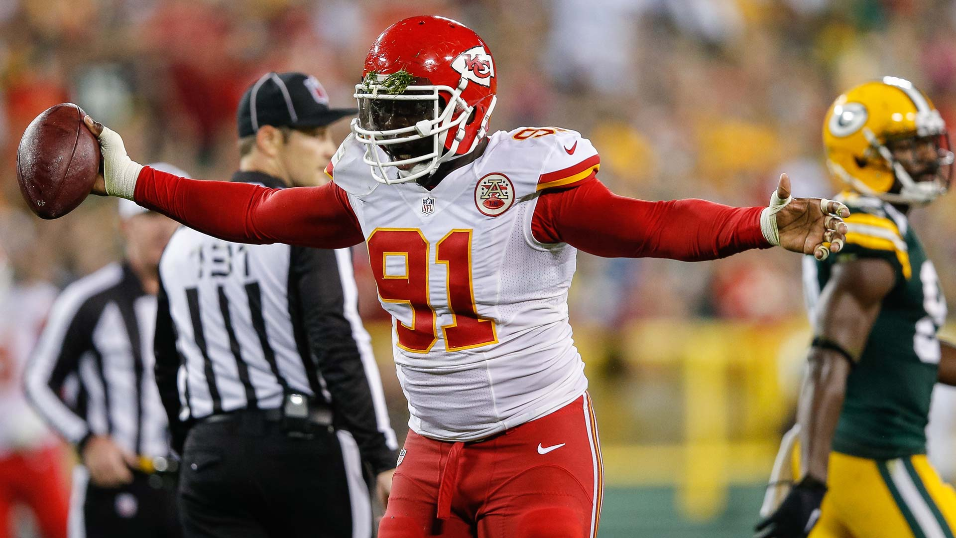 Chiefs void contract of veteran linebacker Hali