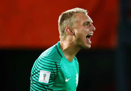 Cillessen denies Barca exit links