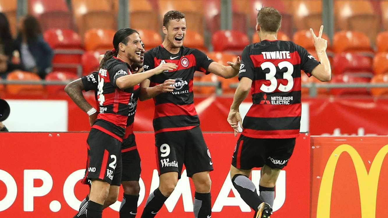 A-League Review: Riera gets Wanderers up and running, Adelaide hold Phoenix