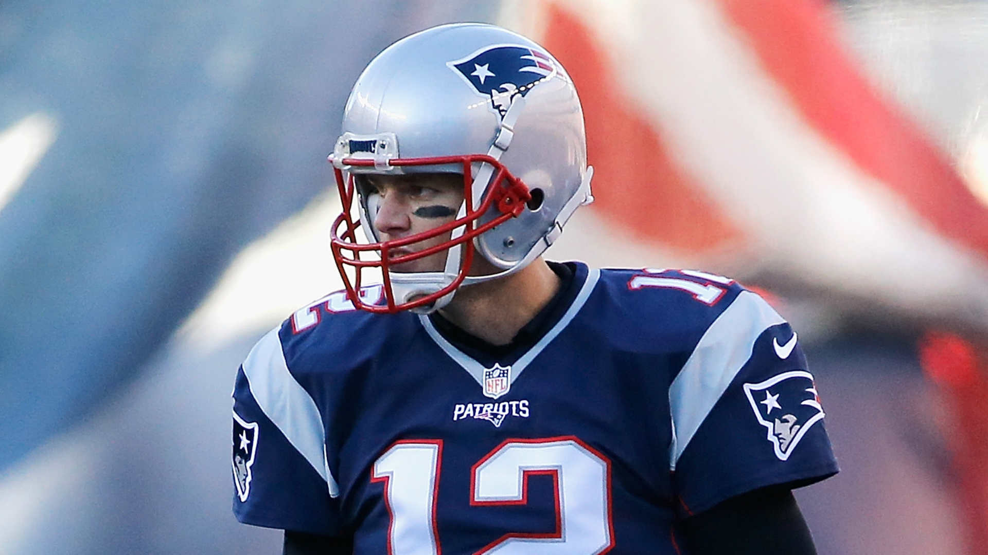 Tom Brady breaks all-time QB wins record with 201st victory