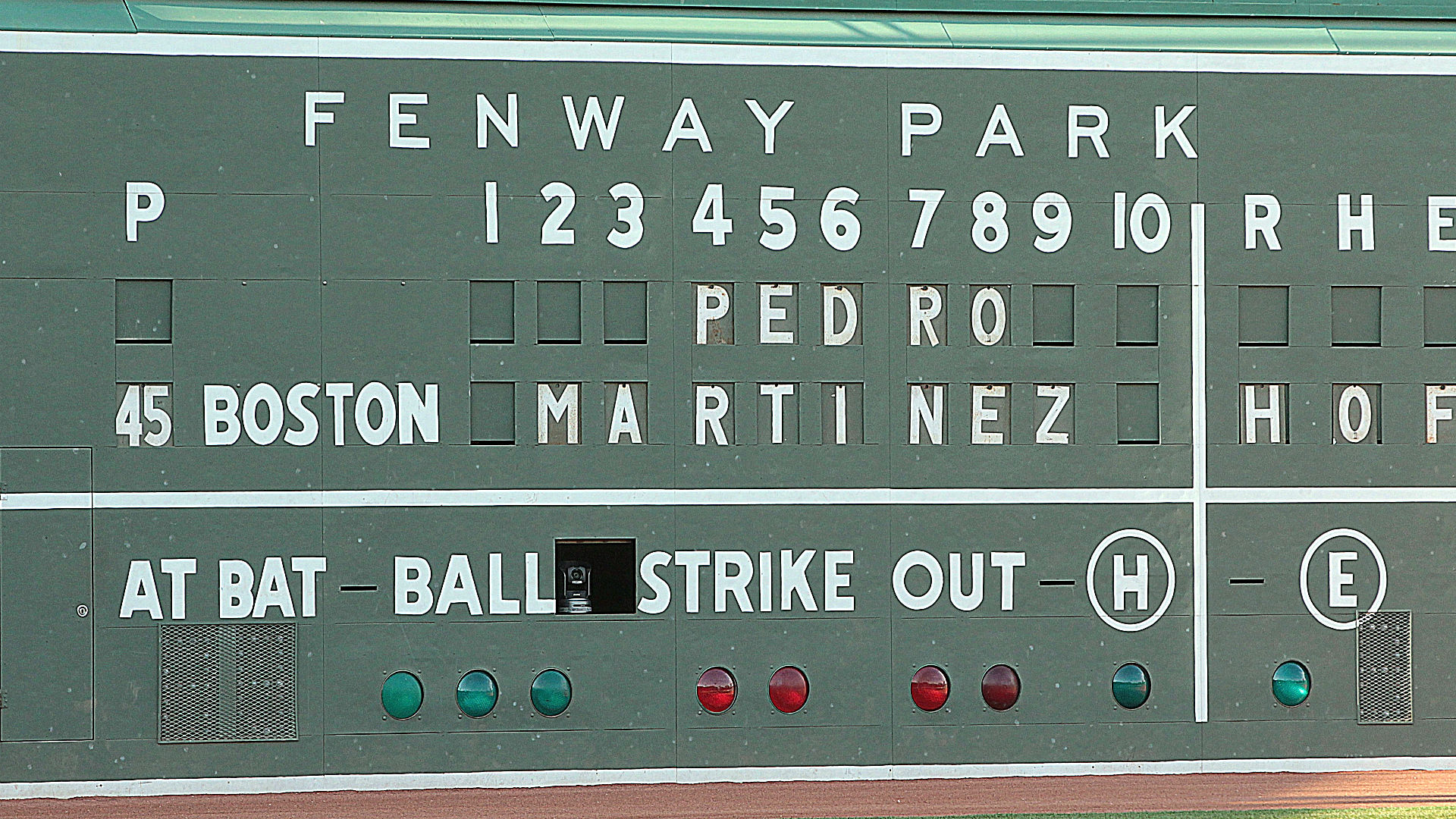 Red Sox retire Pedro Martinez's number in emotional ceremony