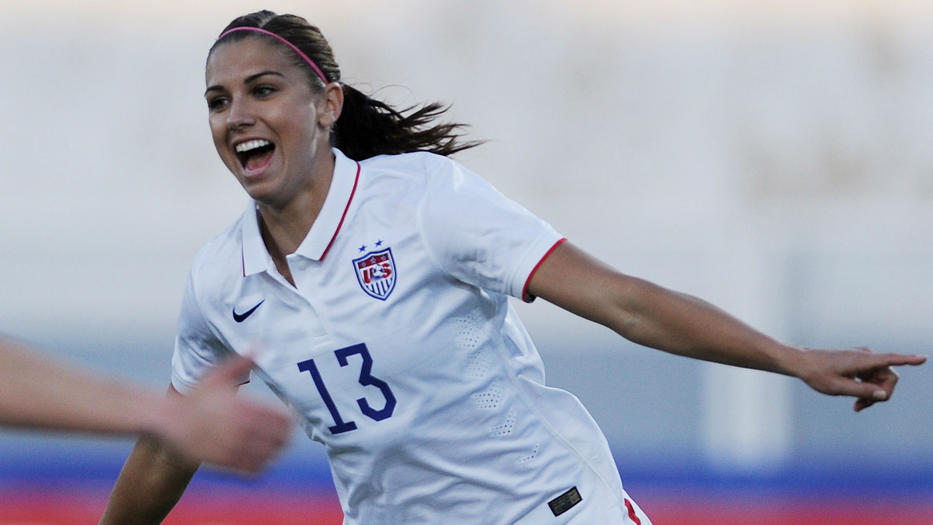 Alex Morgan will play overseas, signs with France's Olympique Lyonnais