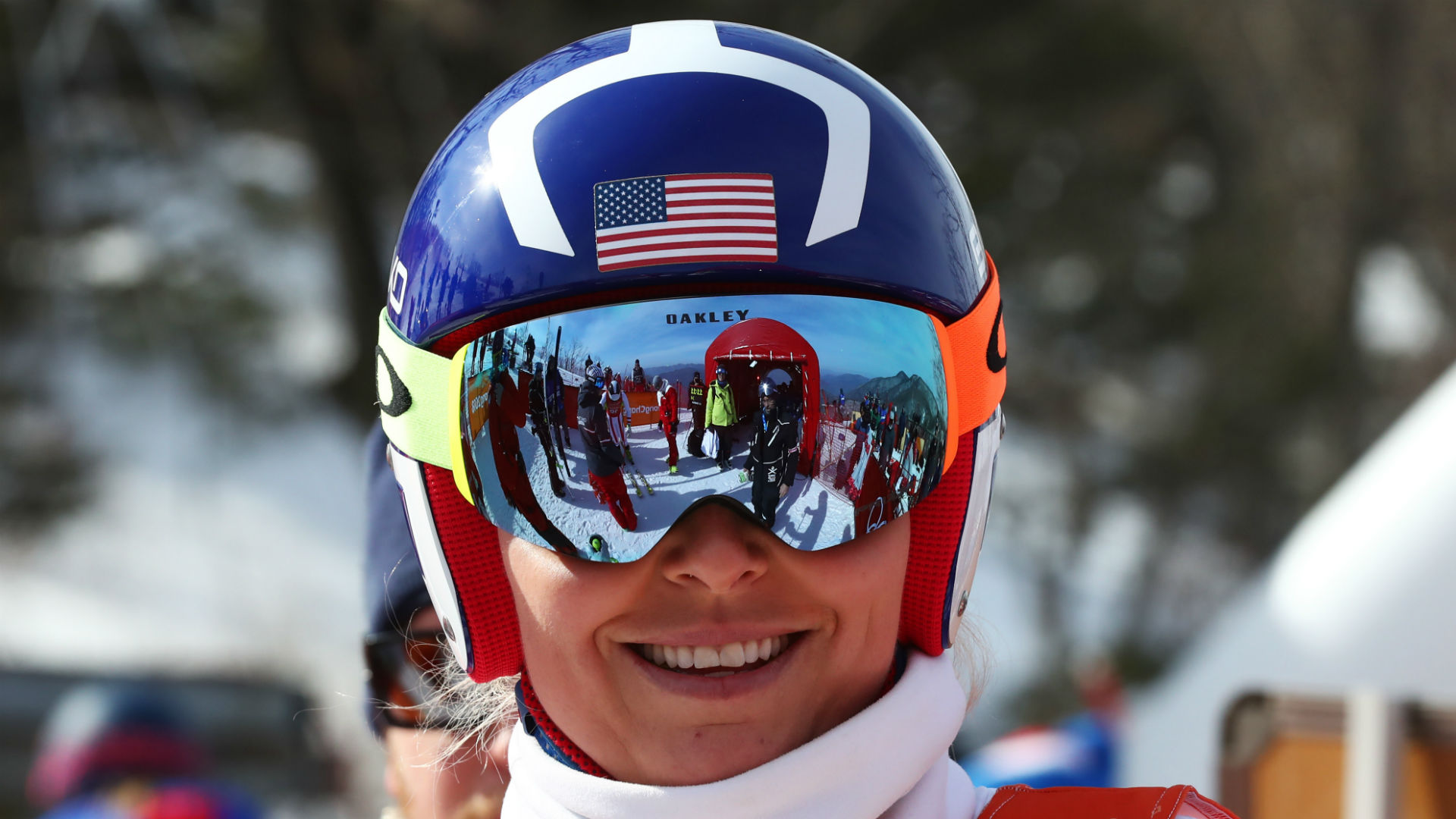Lindsey Vonn visibly frustrated after not medaling in Super-G