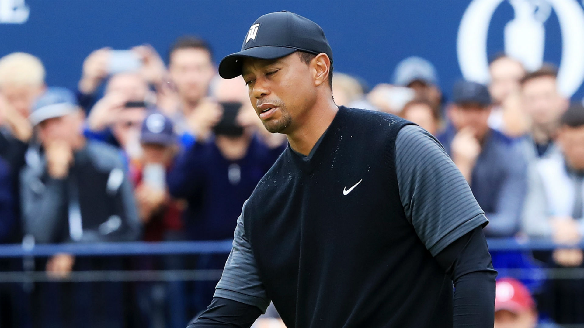 Tiger Woods in contention at Carnoustie