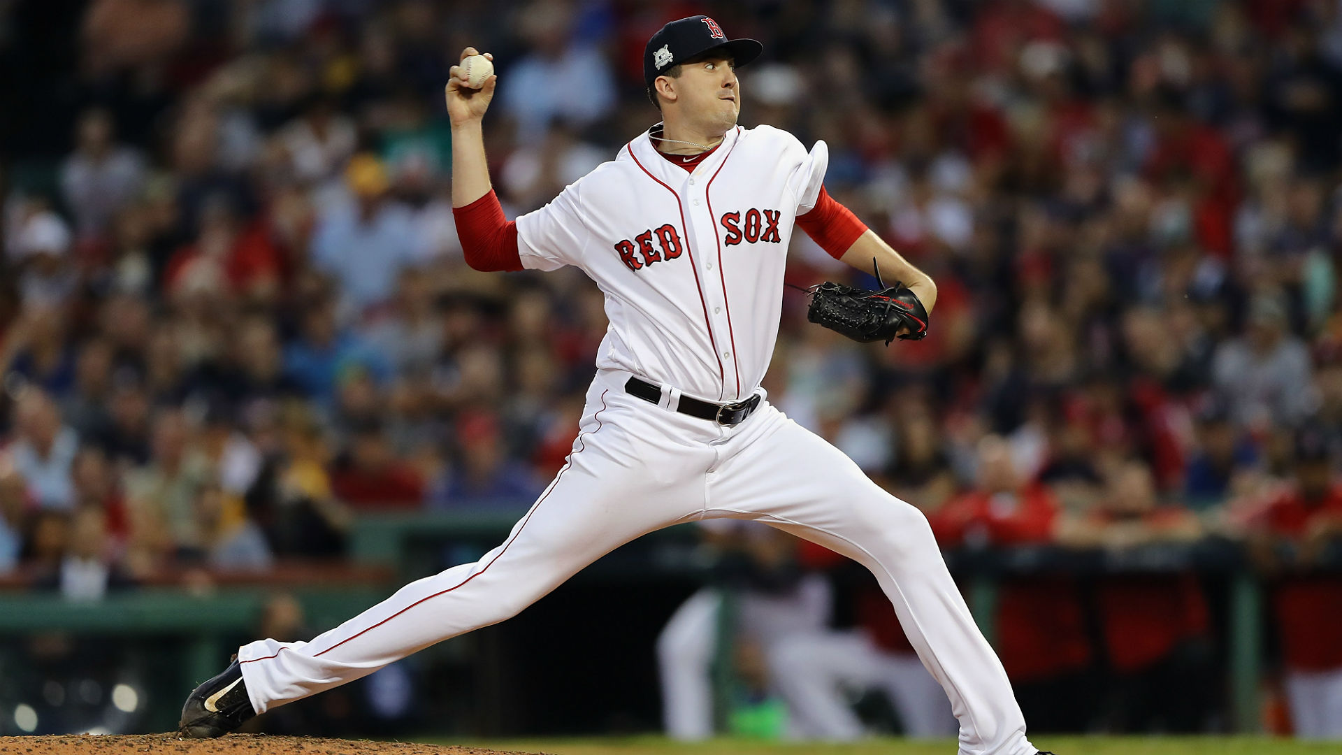 Red Sox reliever Smith injures shoulder throwing glove