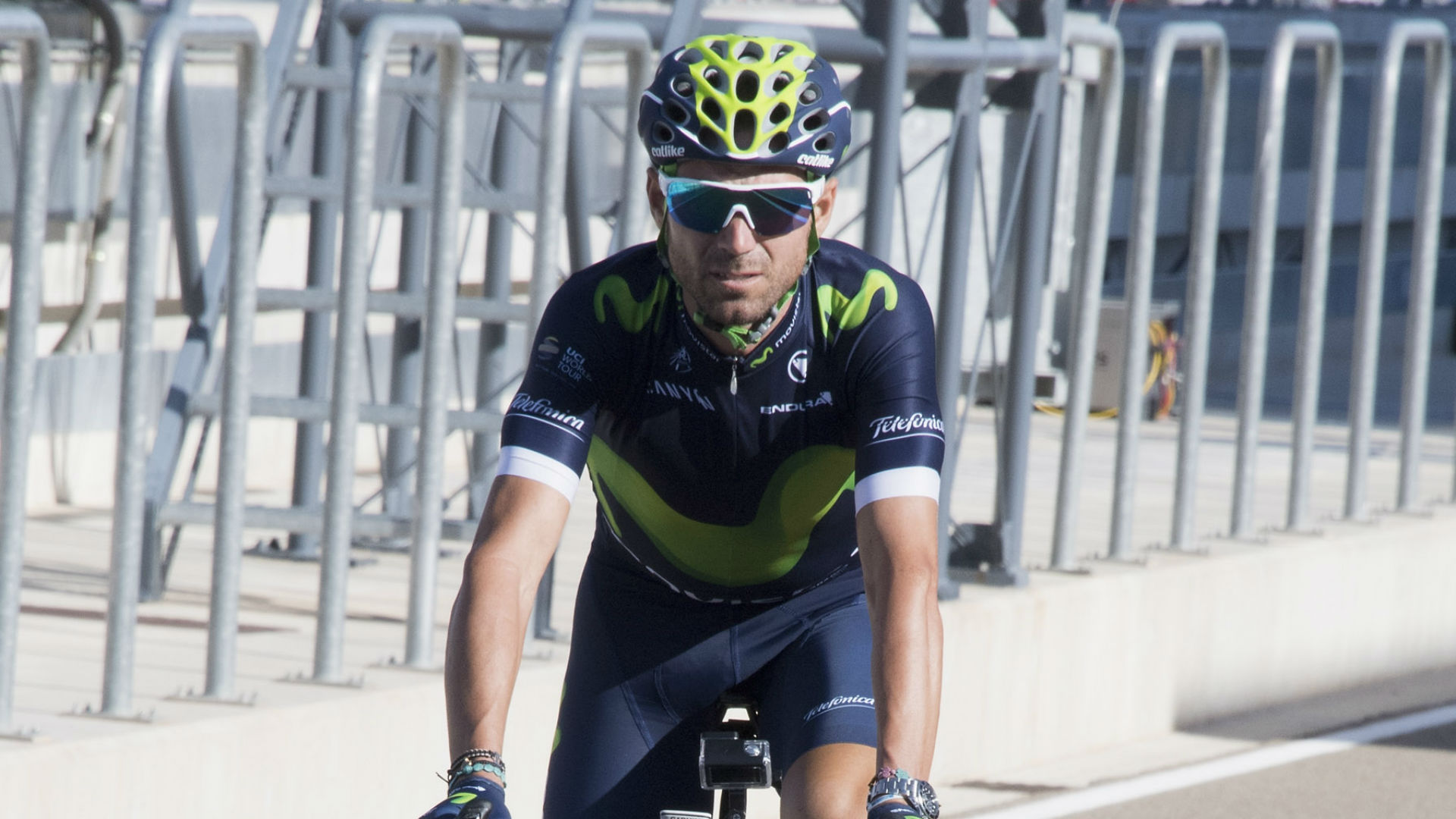 Valverde suffered broken knee cap in Tour-ending crash