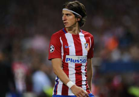 Filipe Luis back in training