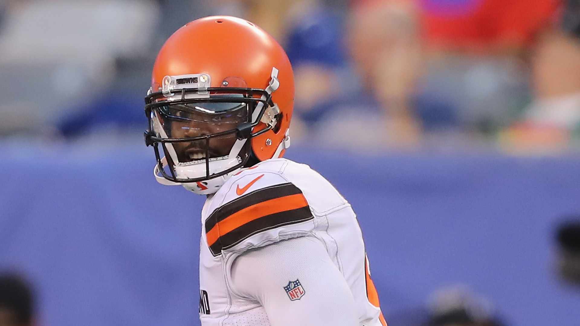 Browns QB Tyrod Taylor 'fine' after hand injury, won't miss time