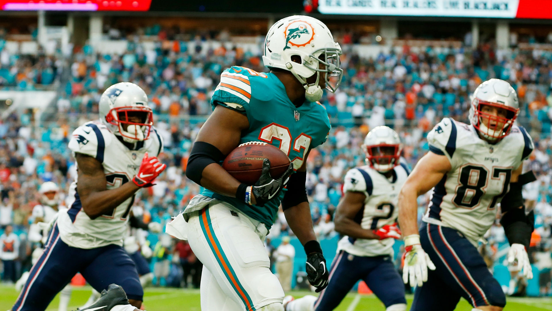 Miami defeats Patriots in dramatic fashion, touchdown on final play