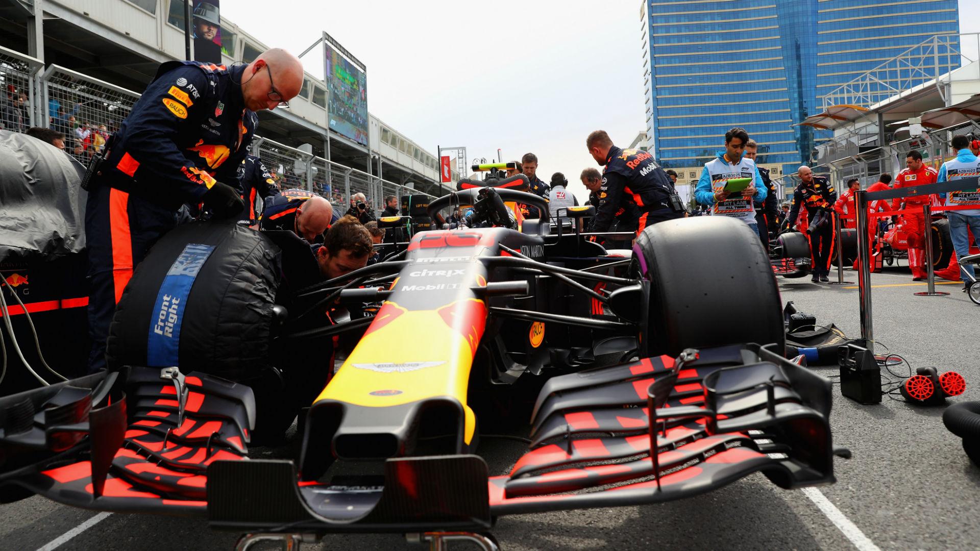 Red Bull opens Honda talks