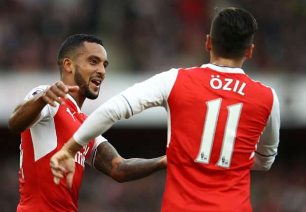 Walcott 'much more resilient' this season – Wenger