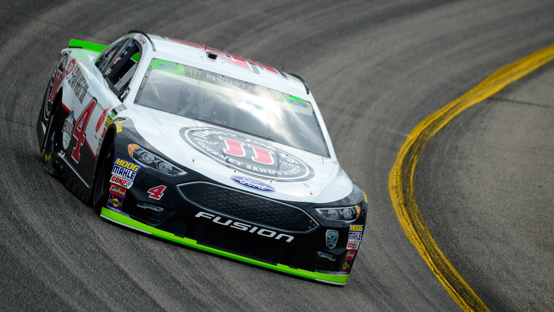 NASCAR at Phoenix: Odds, fantasy advice, prediction, sleepers, drivers to watch for Can-Am 500