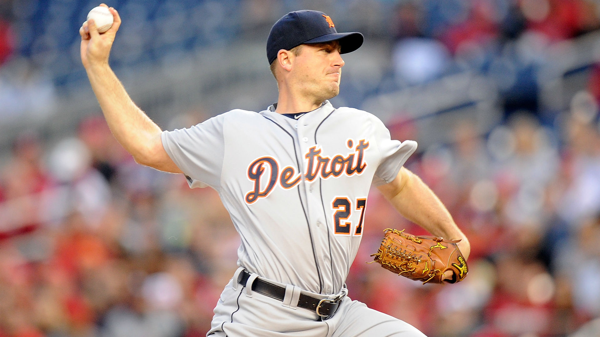 Tigers starter Jordan Zimmermann hit in face by line drive
