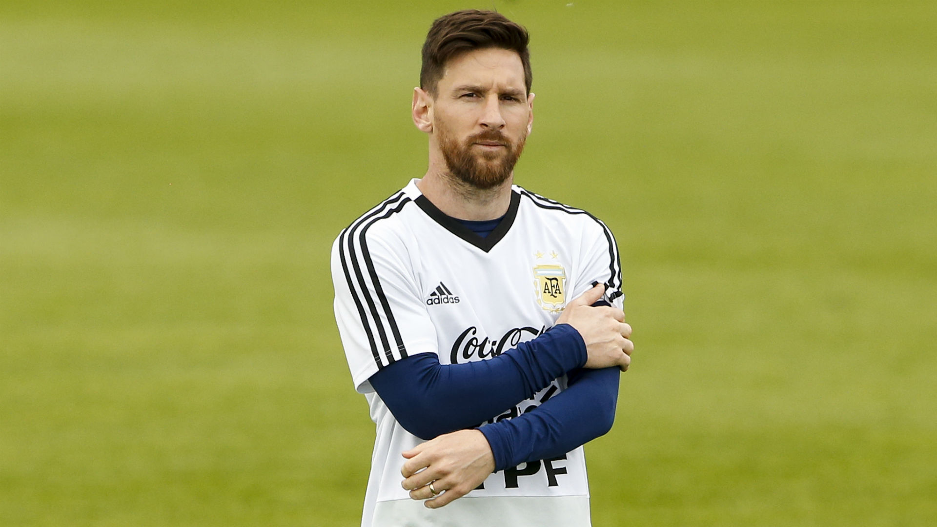 Messi misses penalty, as Iceland holds Argentina