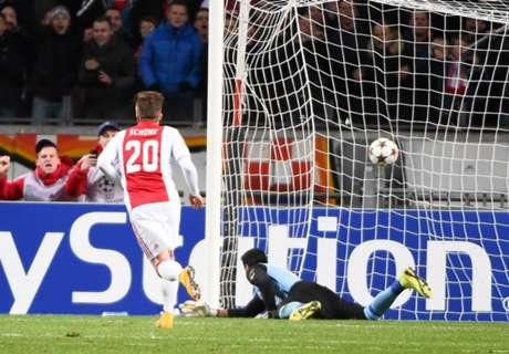 Ajax 4-0 APOEL: Ajax to UEL