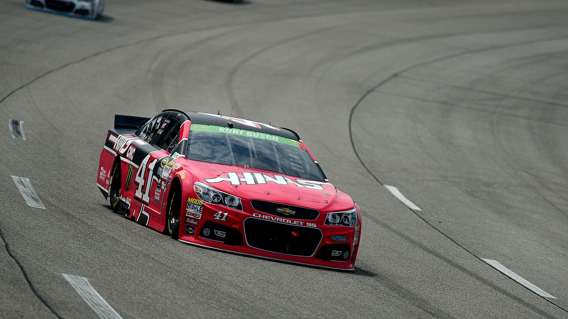 Kurt Busch dominant in victory at Richmond