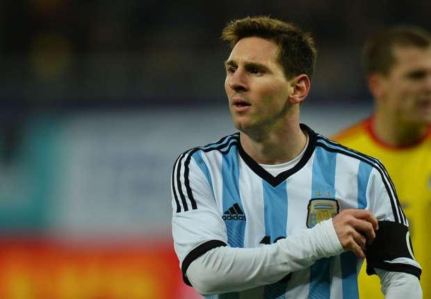 Messi luciendo la camiseta de la selección