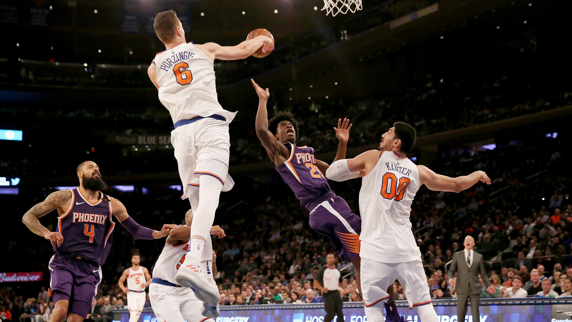 Knicks' Michael Beasley starting in place of Kristaps Porzingis on Saturday