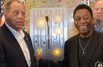Pele mourns death of 'friend and brother' Carlos Alberto