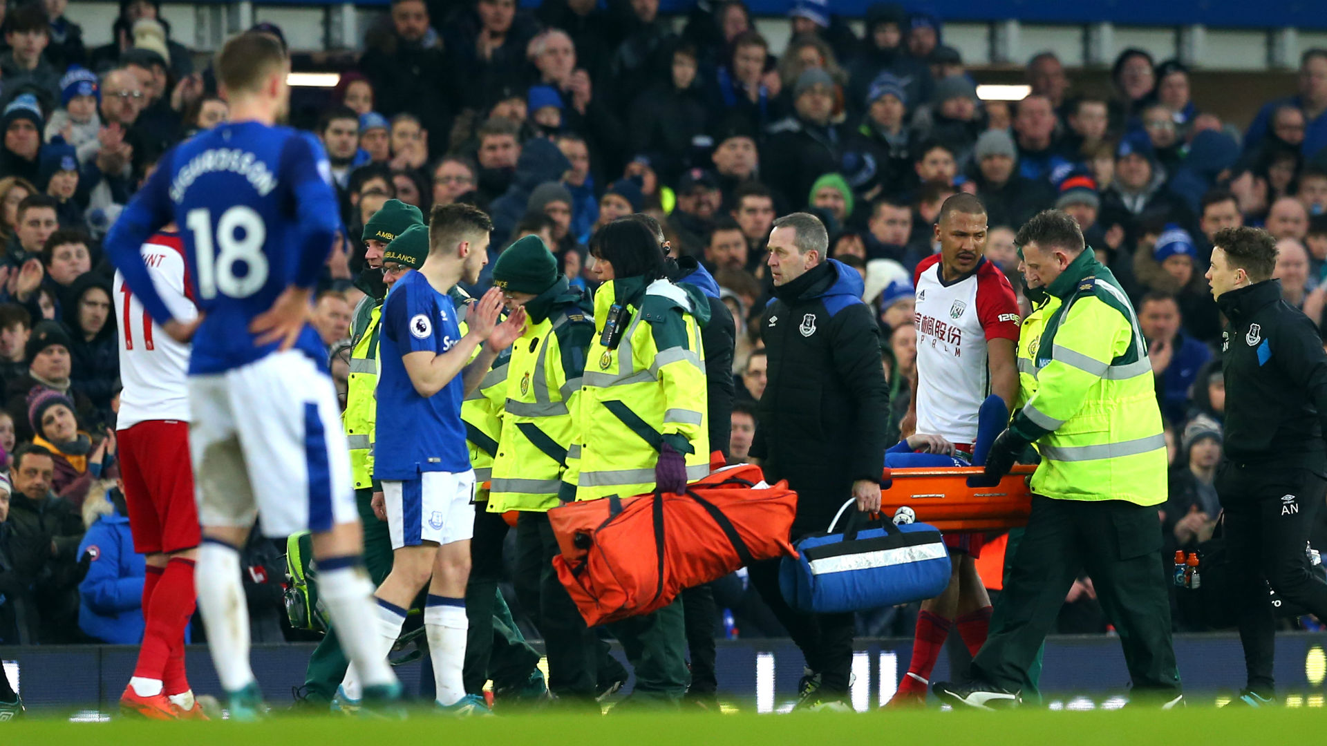 Everton midfielder James McCarthy suffers suspected double leg break