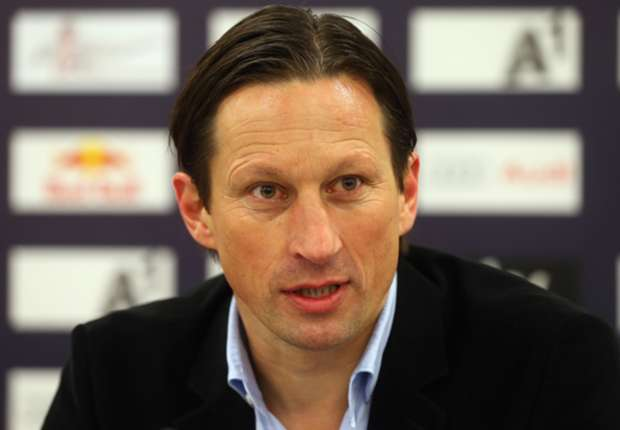 Leverkusen appoint Schmidt as Hyypia replacement