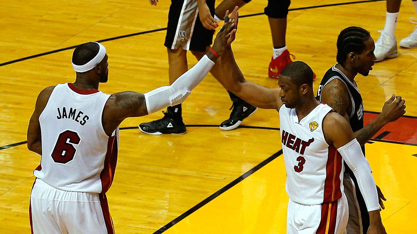 Dwyane Wade wants Heat fans to give LeBron James a warm welcome