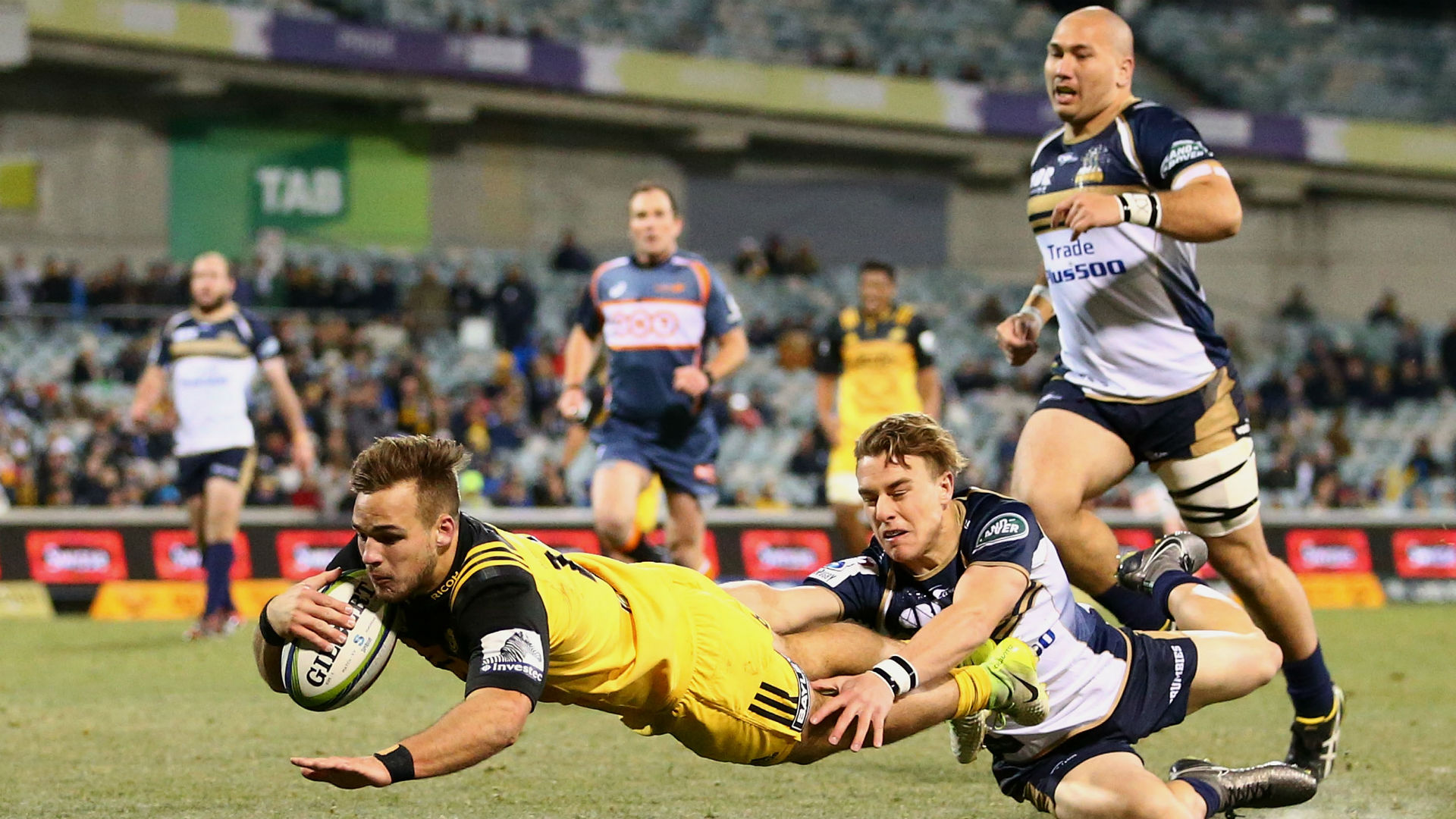 Hurricanes beat Brumbies 35-16 in quarter-final at Canberra Stadium