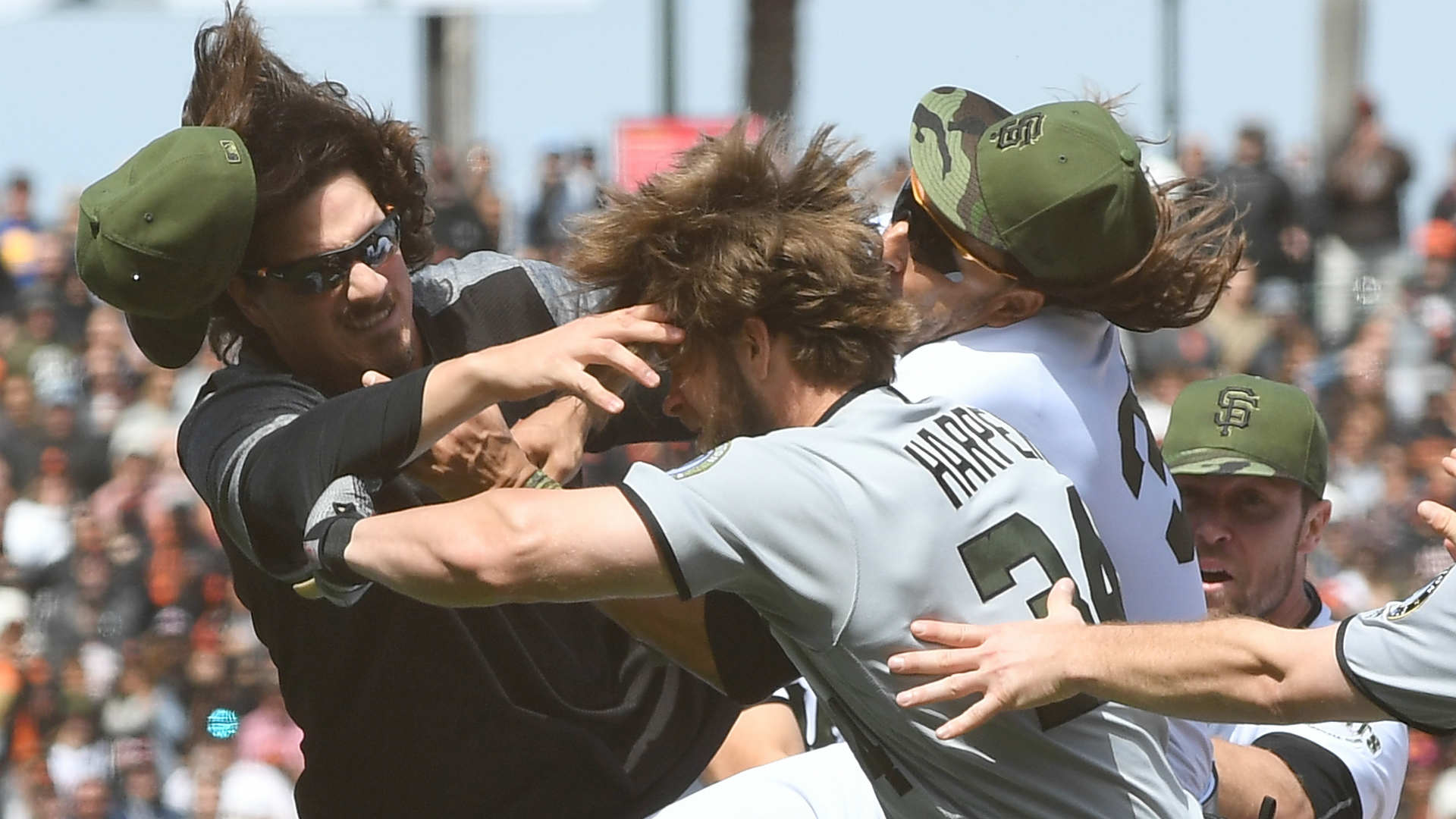 Joe Maddon Doesn't Blame Bryce Harper for Brawl, Charging Mound vs. Giants