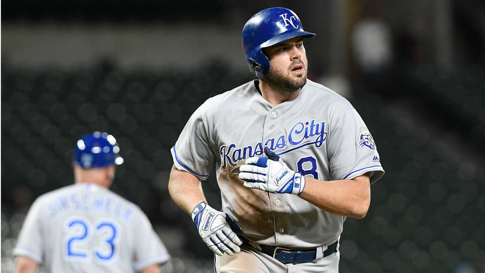 MLB trade news: Brewers acquire Royals infielder Mike Moustakas