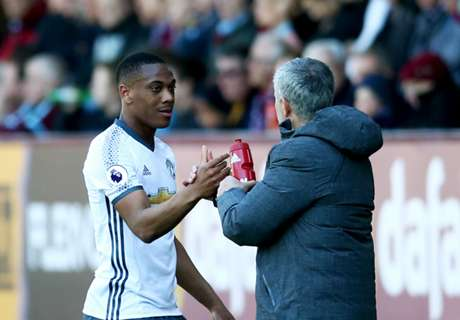Mourinho praises Martial performance