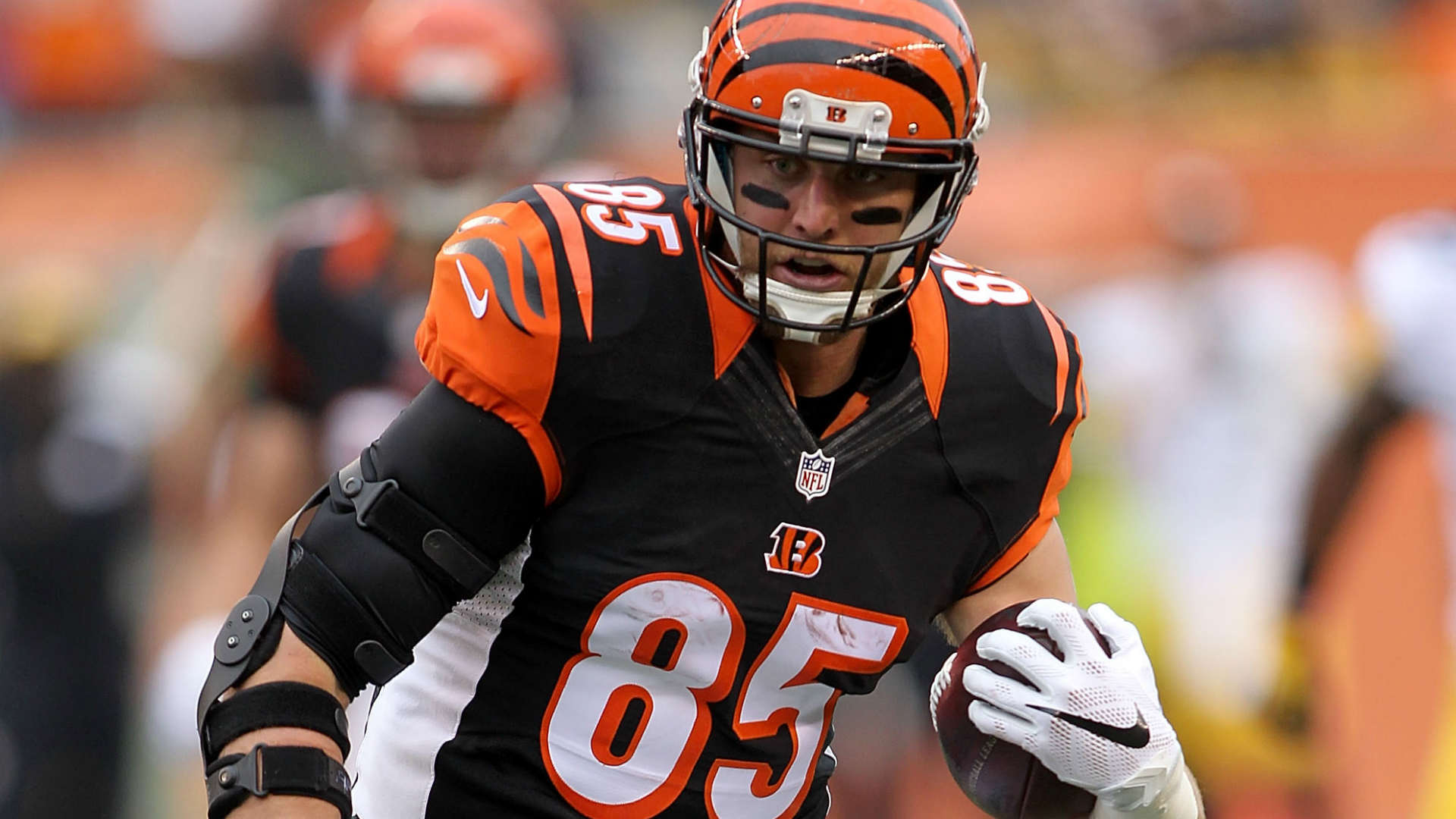Bengals Pro Bowl TE Tyler Eifert expected to miss 3 months after
