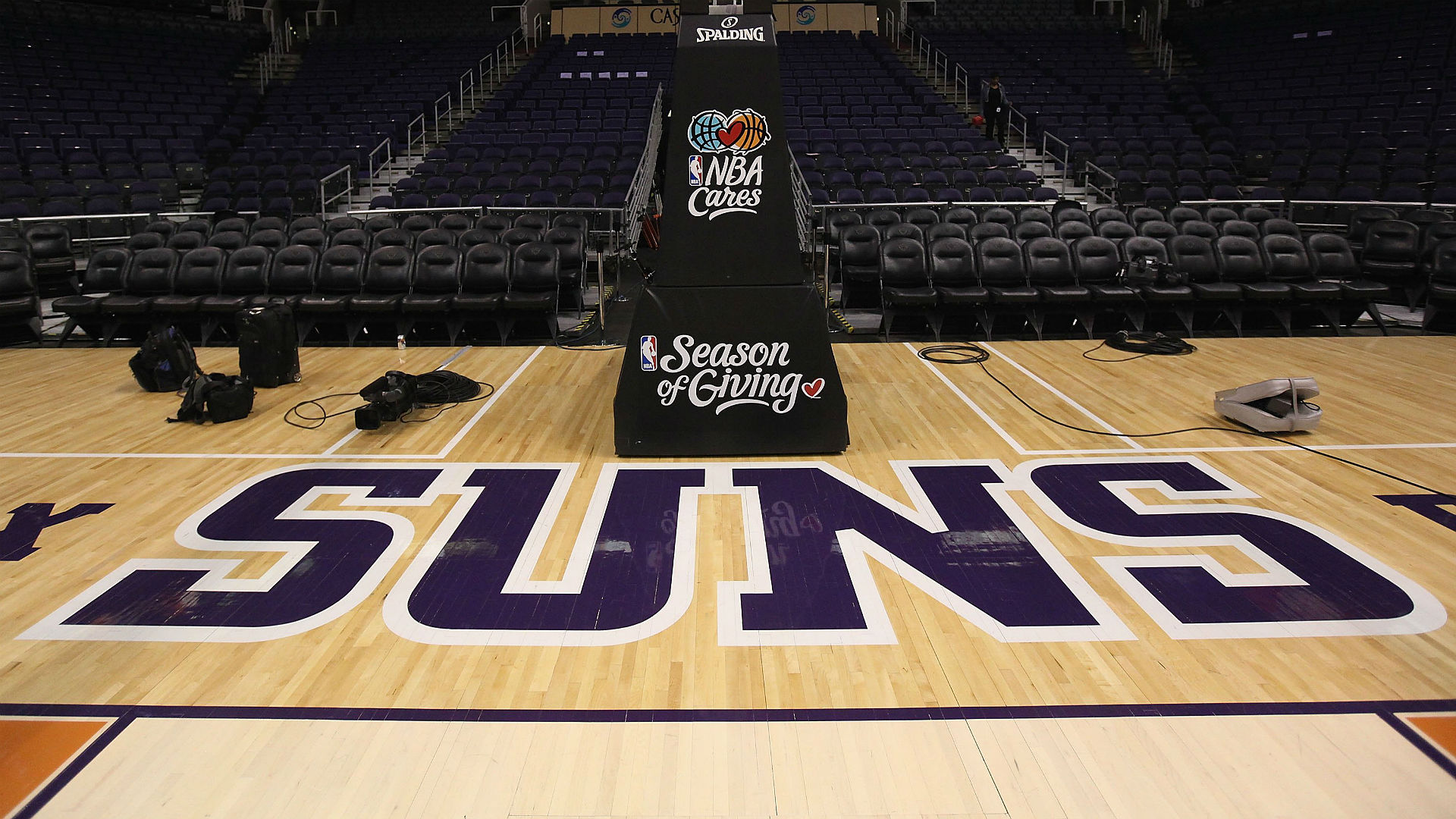 Suns GM says team is likely to keep No. 1 pick