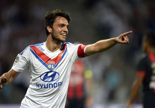Lyon midfielder Grenier coy on Newcastle move