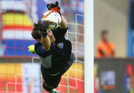 Casillas makes Porto debut