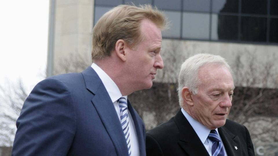 Jerry Jones, right, and Roger Goodell
