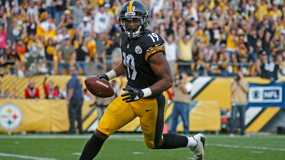 626c1336b3f Suspended JuJu Smith-Schuster watches Sunday Night Football in Steelers  helmet