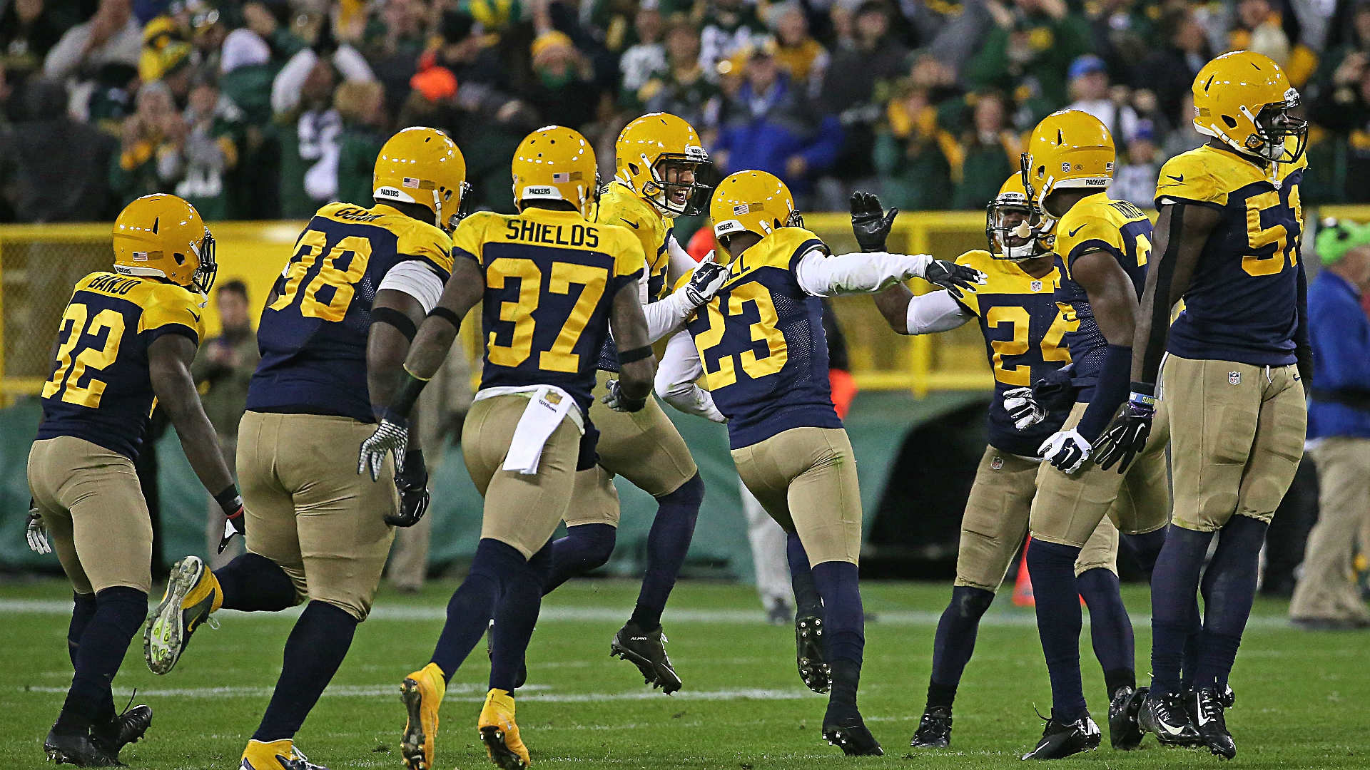 Packers-Celebrate-101815-USNews-Getty-FTR