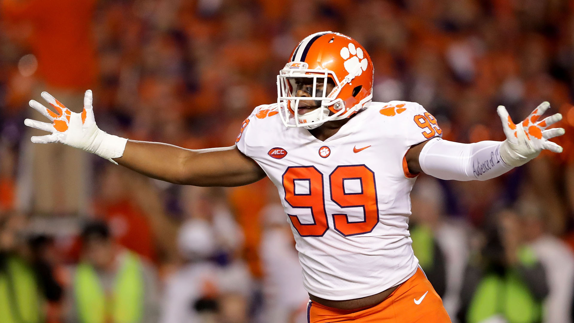 Clemson DT Wilkins returning for senior year
