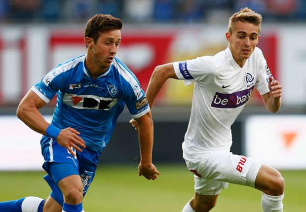 Genk's Timothy Castagne (R), seen here against Gent in 2015