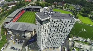 Lerkendal stadion med hotell Scandic, flyfoto