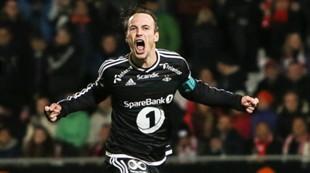 Mike Jensen jubler etter seier i straffekonk mot Tromsø i NM