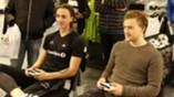 Helmersen og Yanni spiller FIFA 17