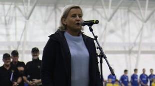 Tove holder tale på Frøya