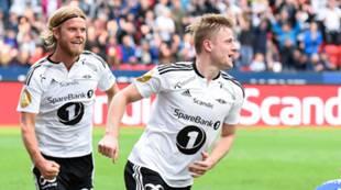 Fredrik Midtsjø og Christan Gytkjær etter scoring mot Stabæk