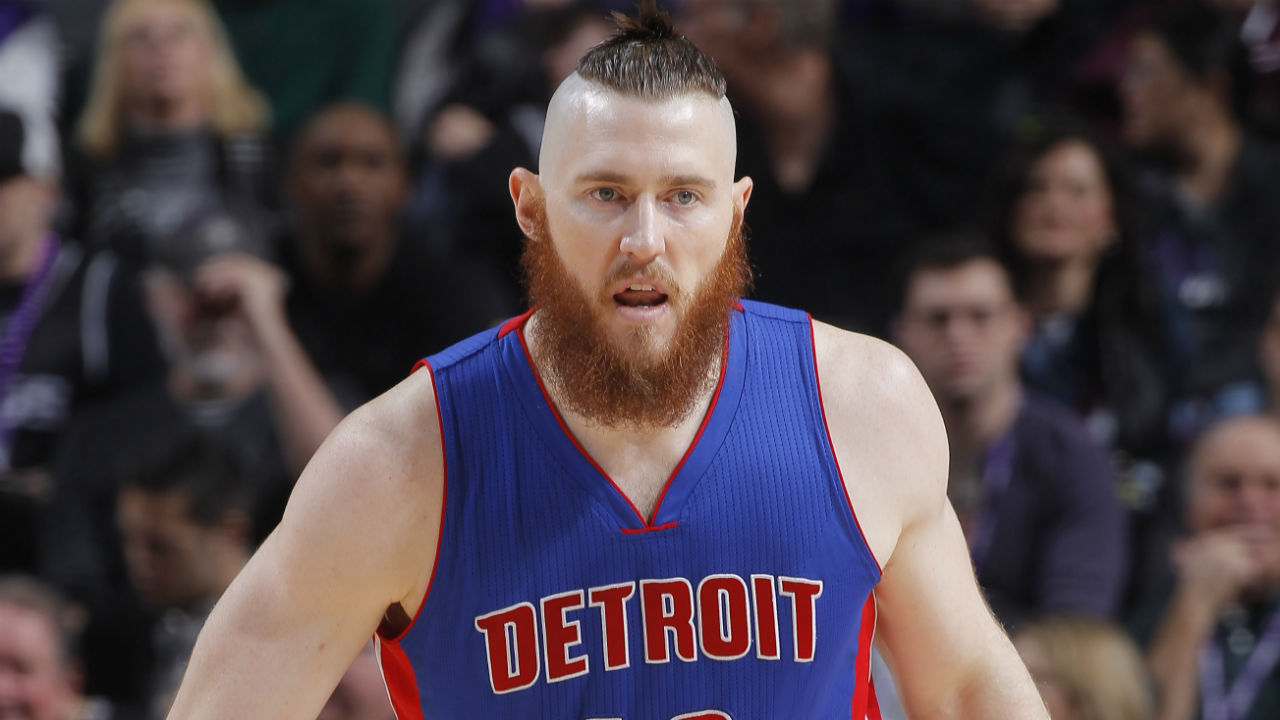Detroit Pistons center Aron Baynes declines option, becomes free agent