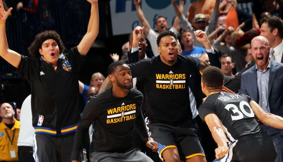 Nba stephen curry s absurd buzzer beater is still difficult to
