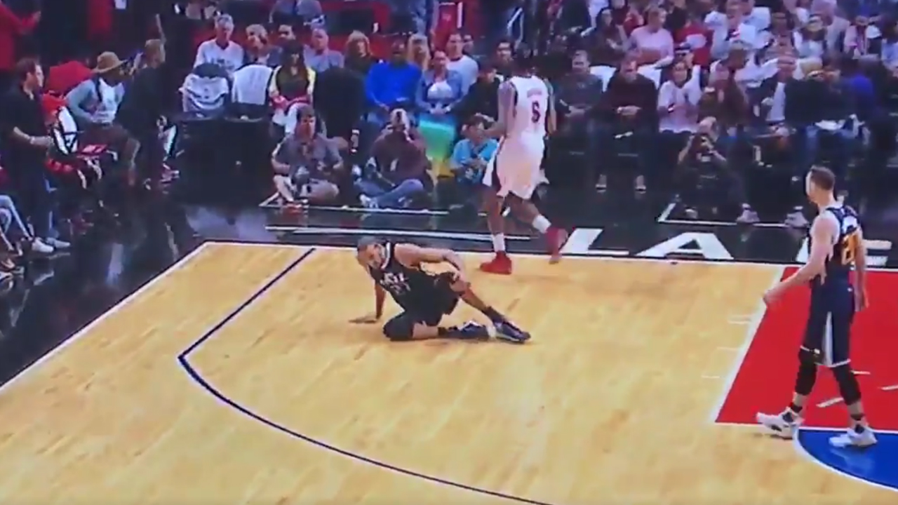 Utah's Gobert sprains left knee on 1st play of game
